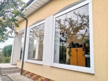 rulouri transparente închideri terase, folie terasă, transparentă
